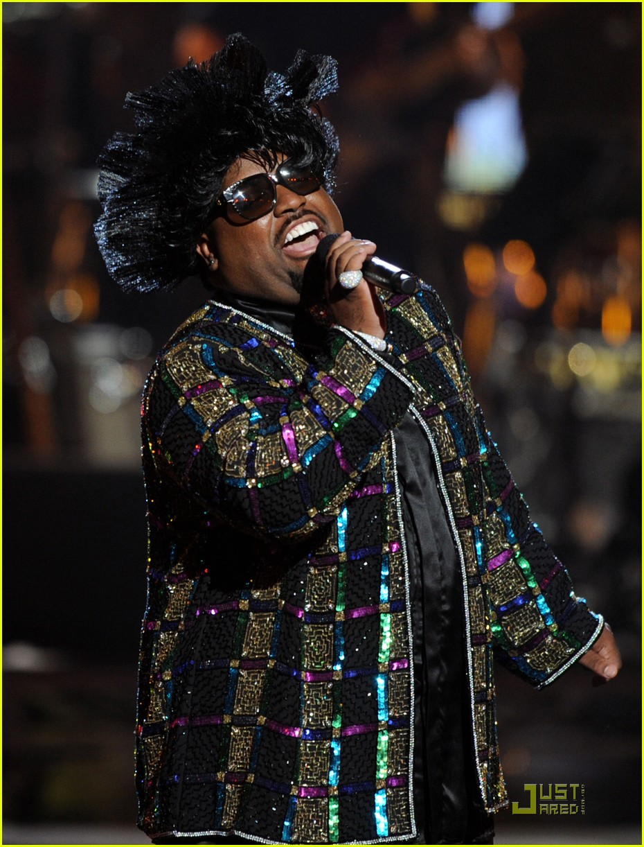 cee lo green drops out of rihanna tour 04
