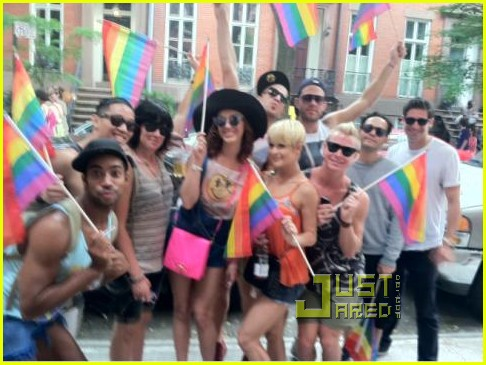 celebrities celebrate gay pride 05