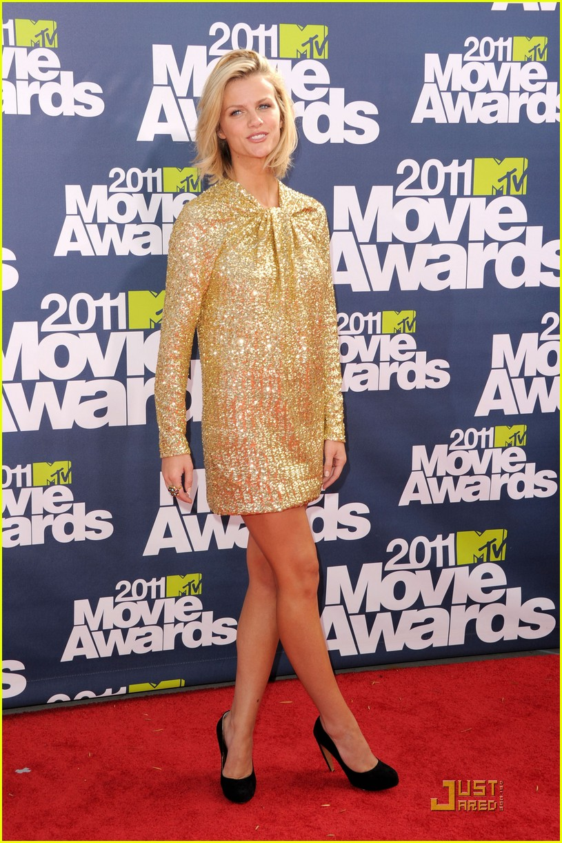 brooklyn decker mtv movie awards 2011 032549720