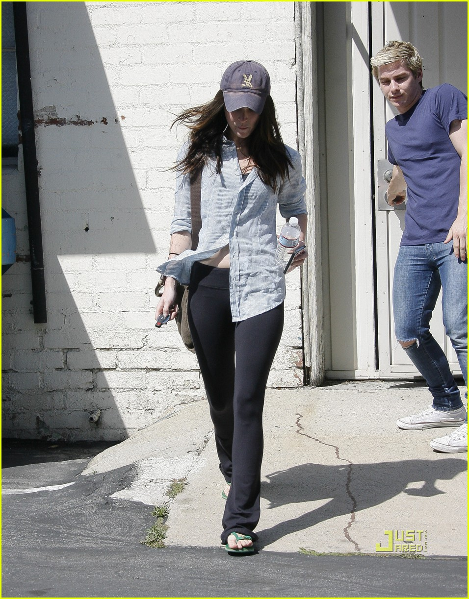 megan fox beverly hills salon 03