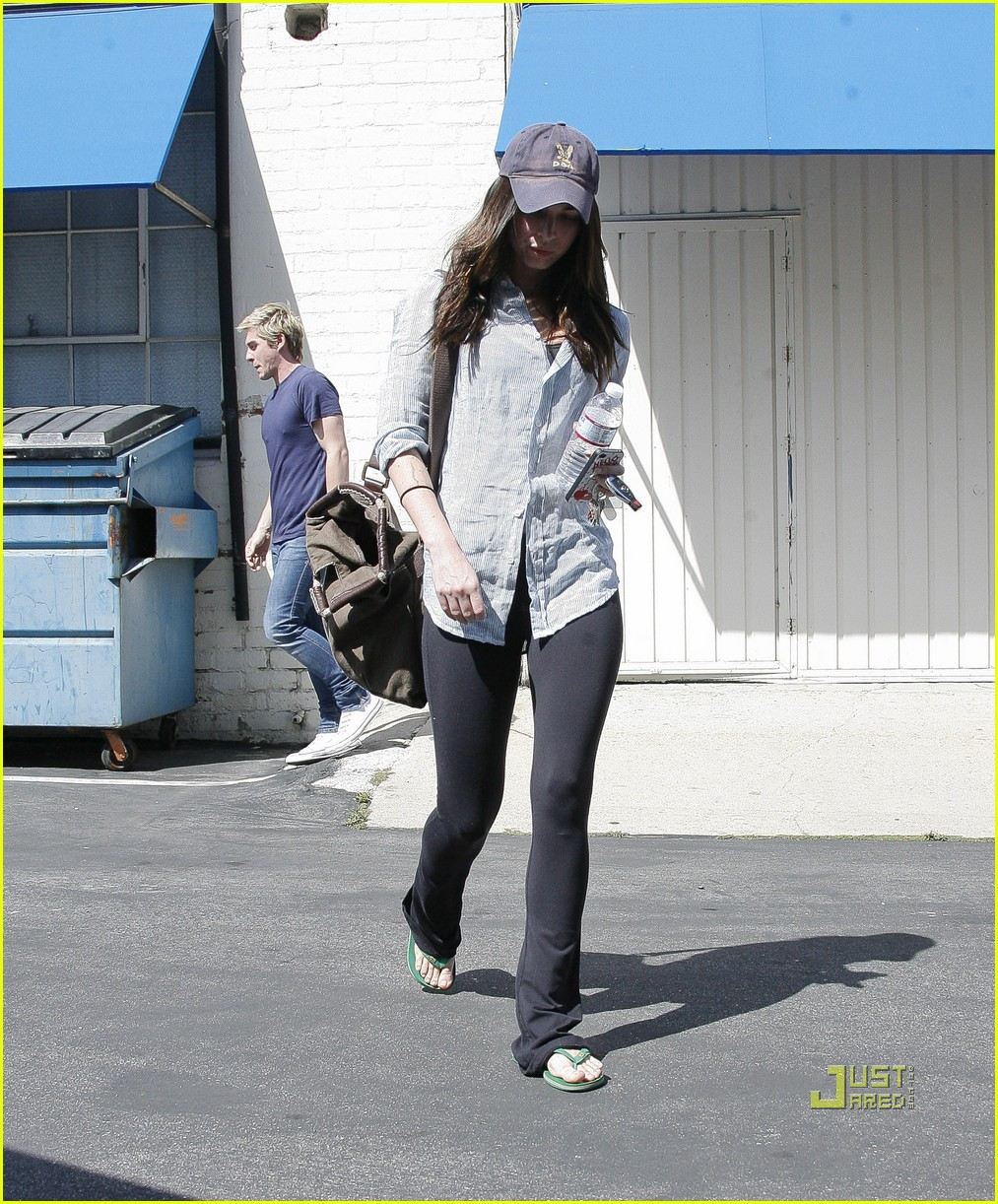 megan fox beverly hills salon 05