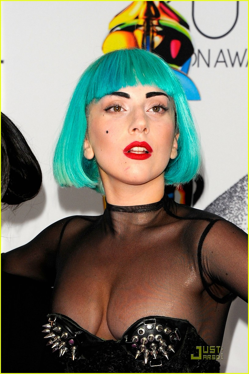 lady gaga cfda fashion awards 02