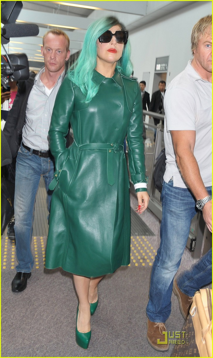 lady gaga arrives in japan 09