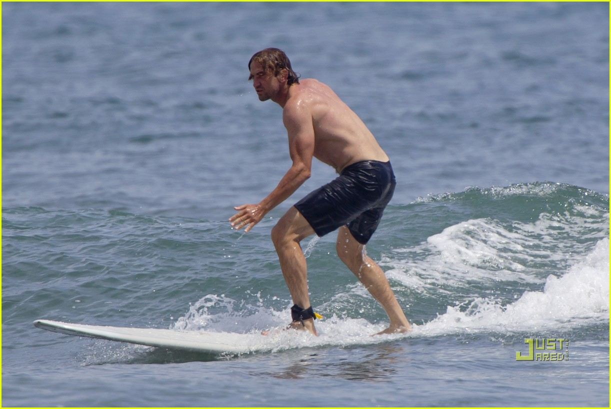 gerard butler shirtless surfing maui 042549963