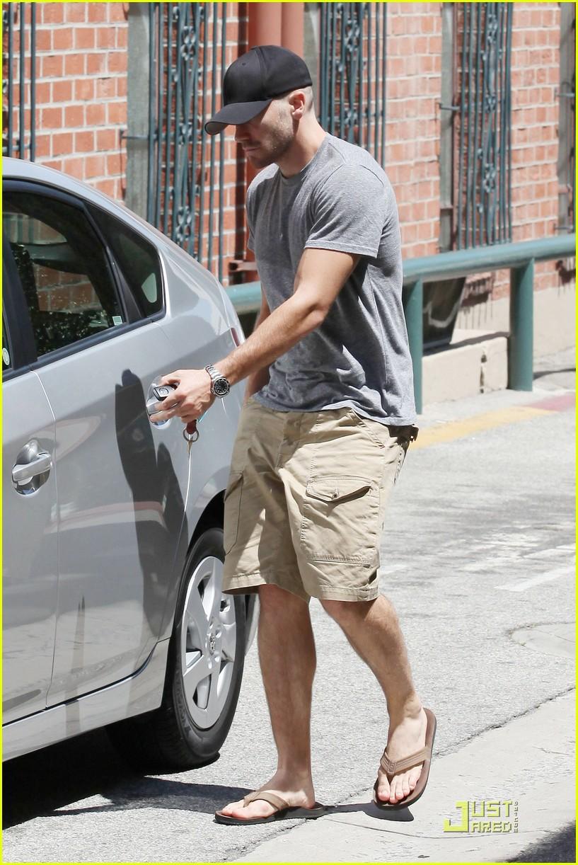 jake gyllenhaal low profile 032555116