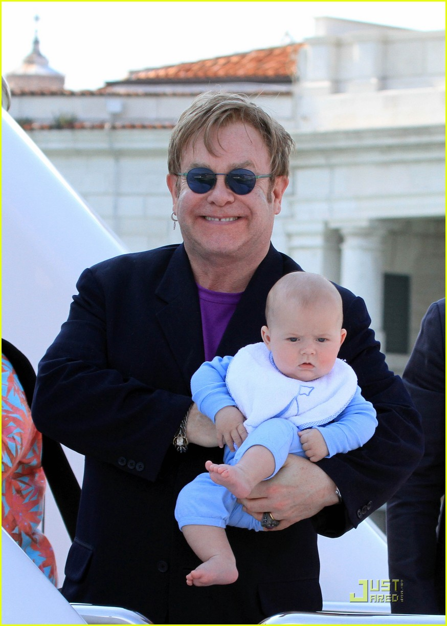 elton john david furnish italian vacation with zachary 012549204