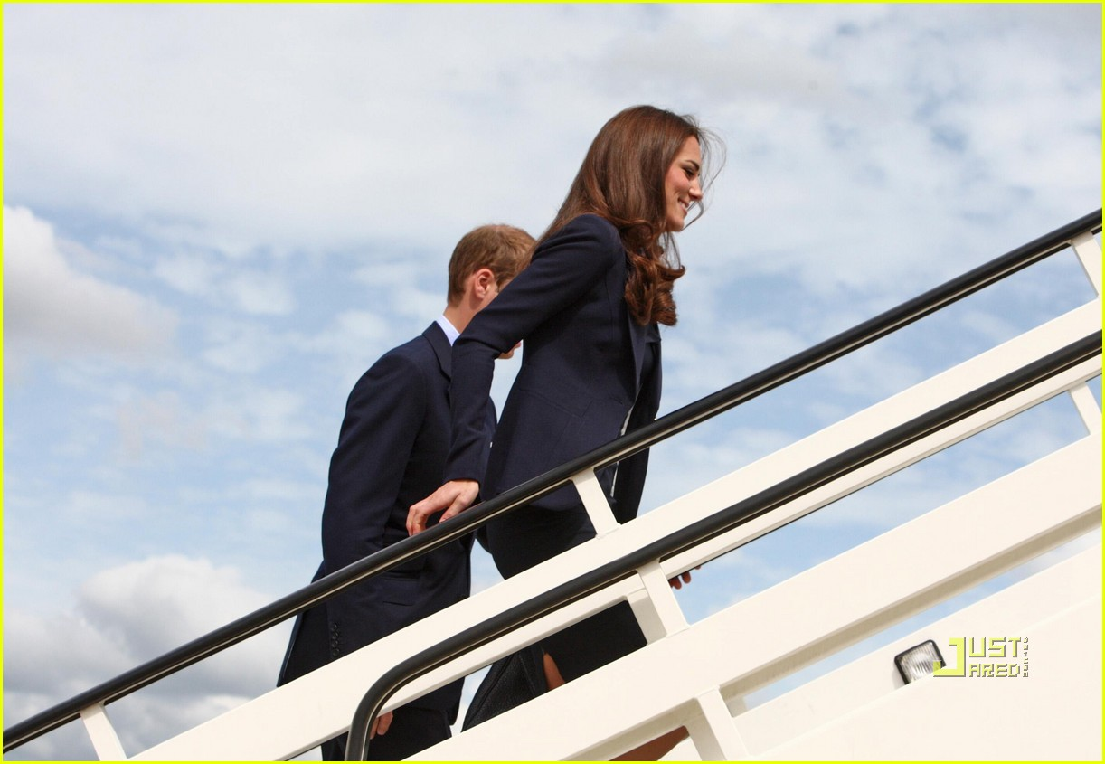 kate prince william fly to canada 07