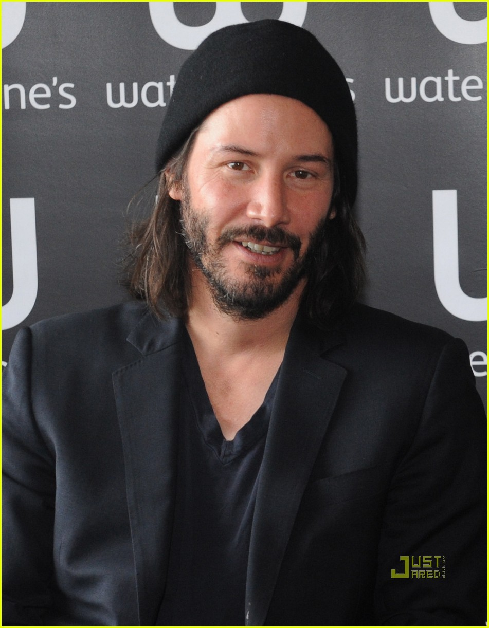 keanu reeves   u0026 39 ode to happiness u0026 39  book signing   photo