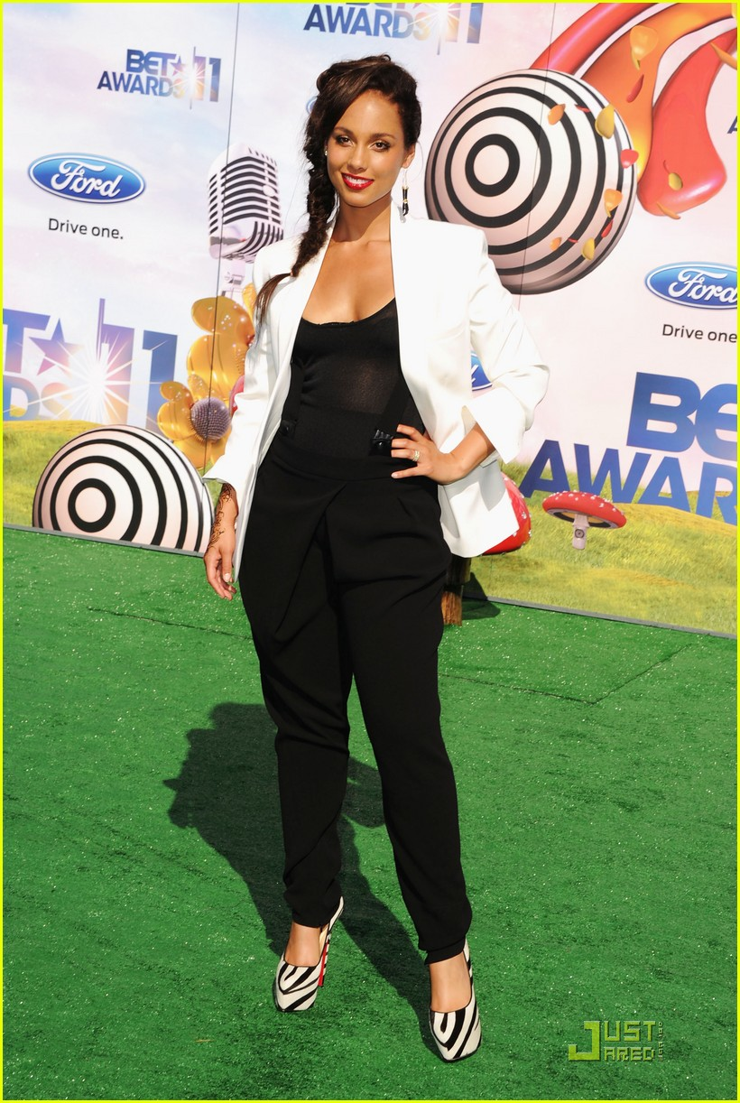 alicia keys kerry washington bet awards 2011 01