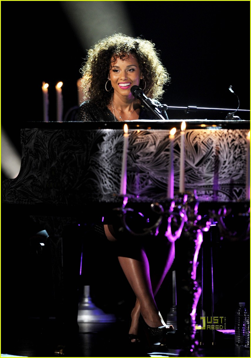 alicia keys pantages 032555482