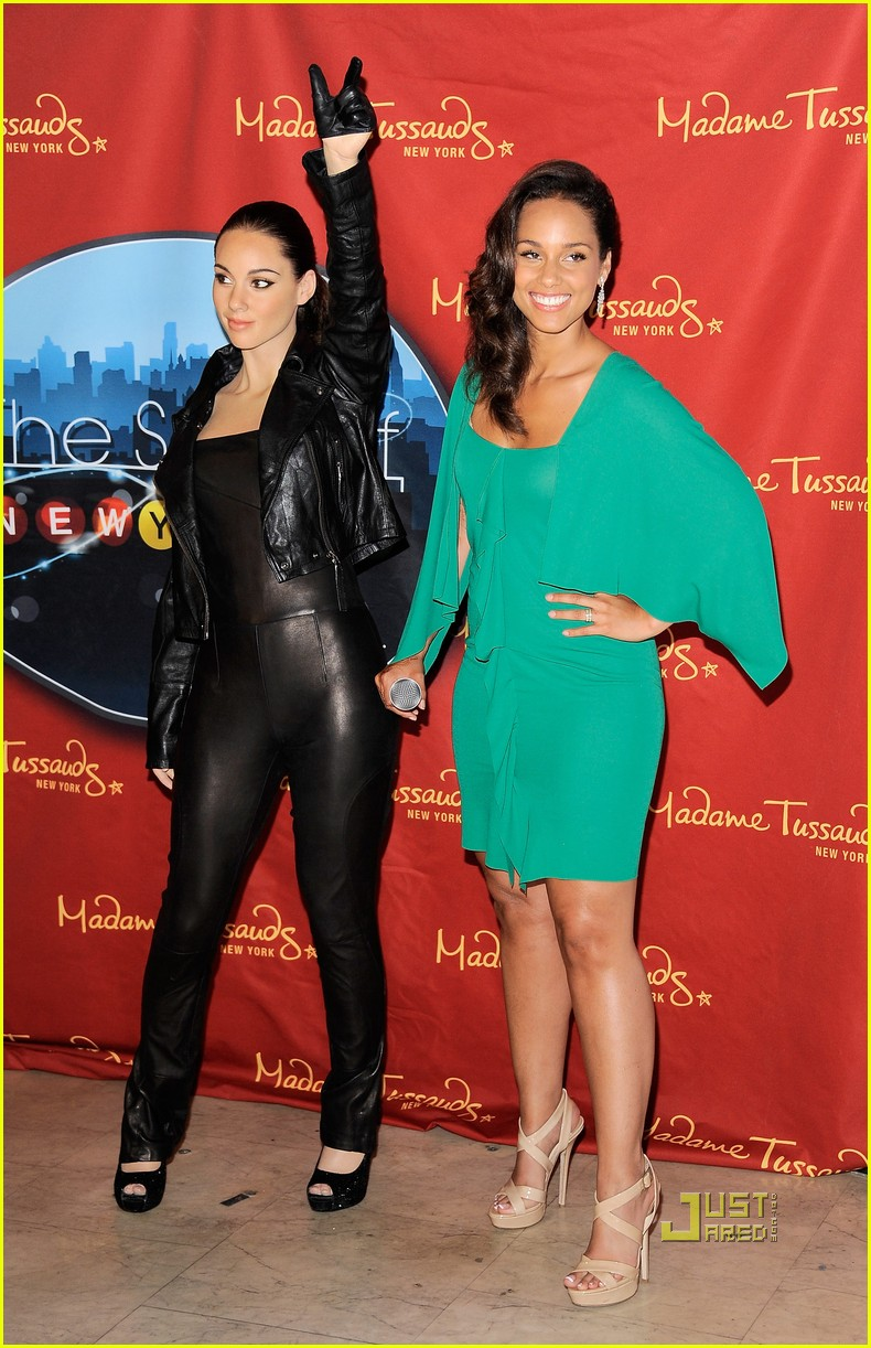 alicia keys wax figure madame tussauds 08