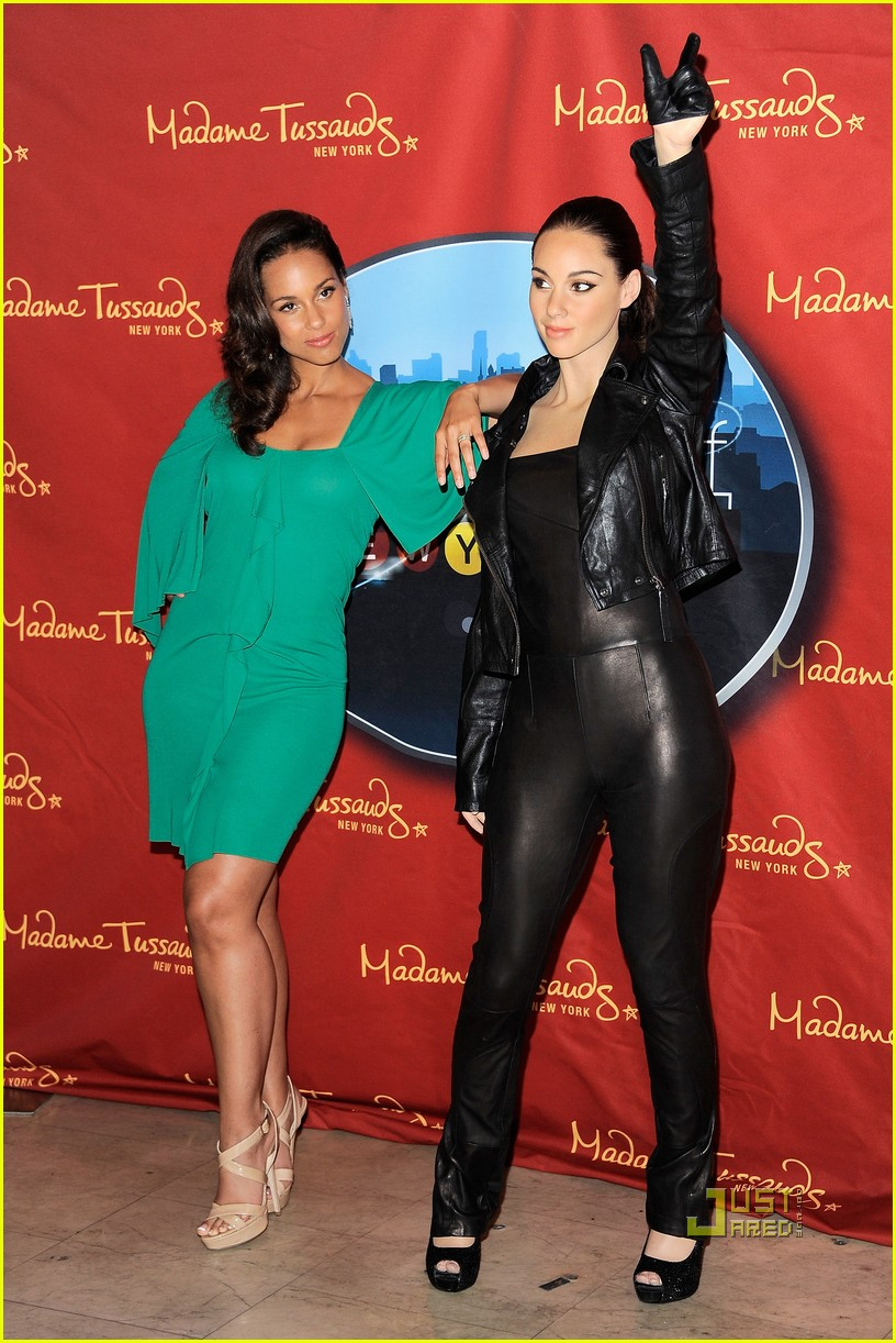 alicia keys wax figure madame tussauds 09