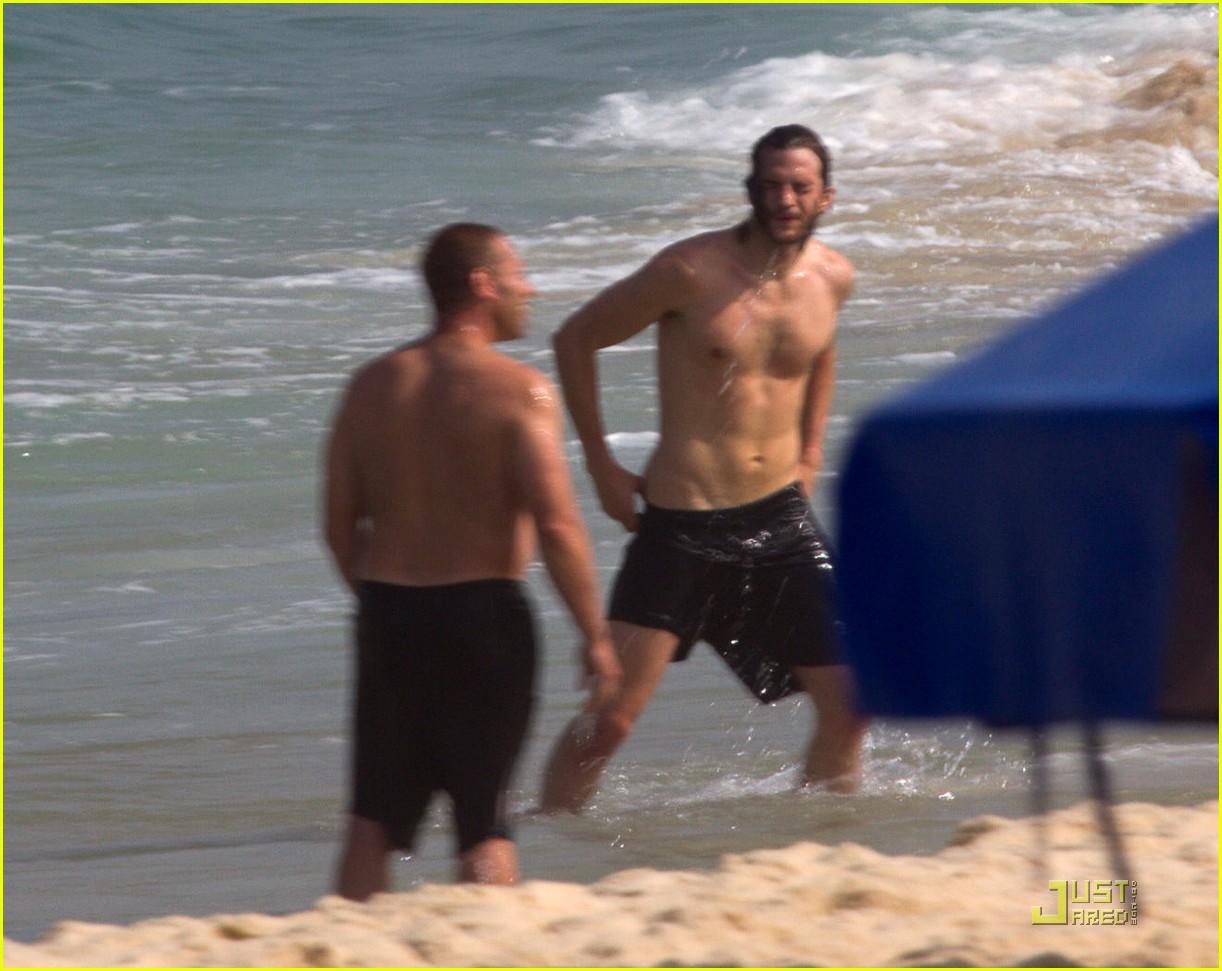 ashton kutcher beach volleyball 08