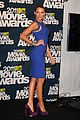 blake lively mtv movie awards 2011 presenter 01