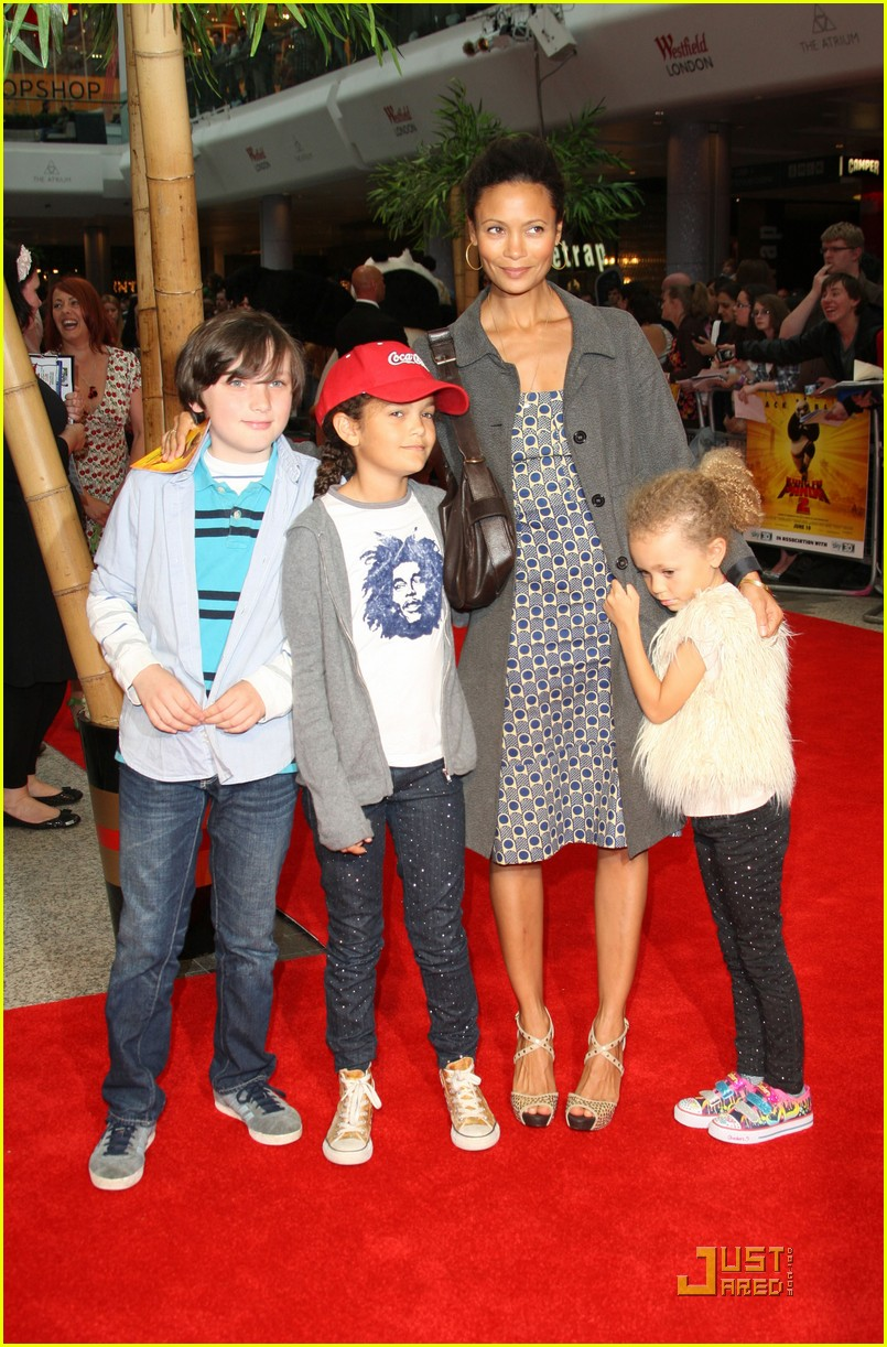 thandie newton kung fu panda 2 premiere with kids 032549664