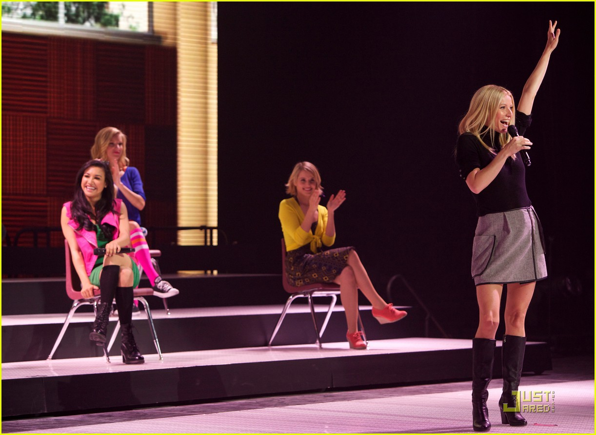 gwyneth paltrow glee concert 15