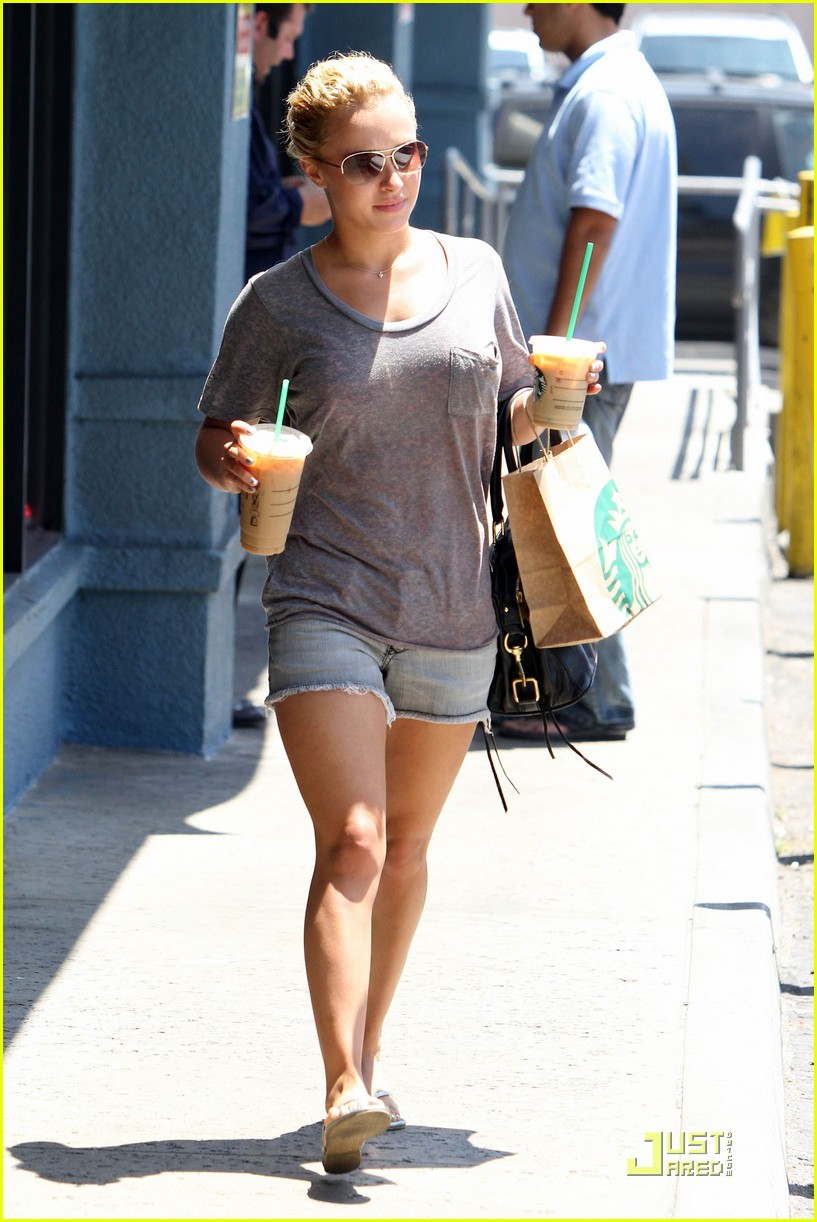 hayden panettiere sunny starbucks run 01