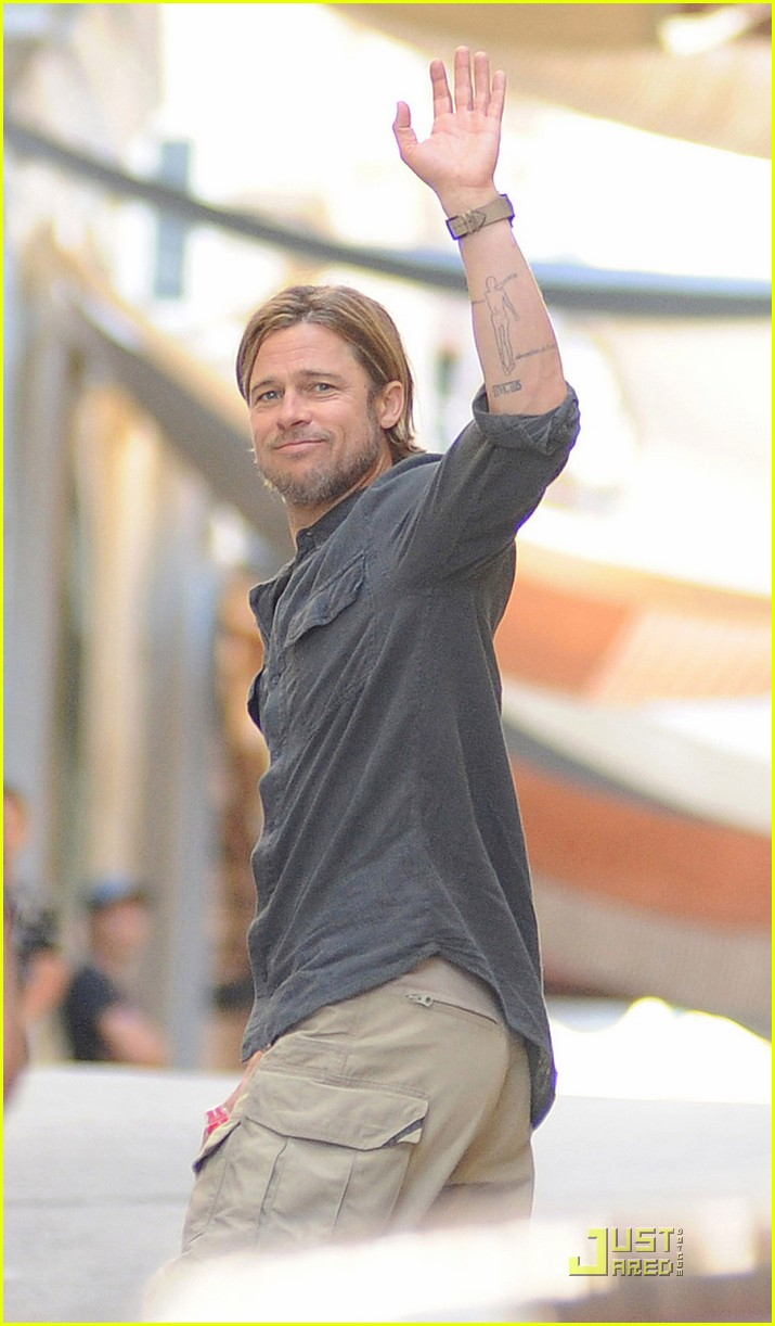 brad pitt world war z on set 012552691