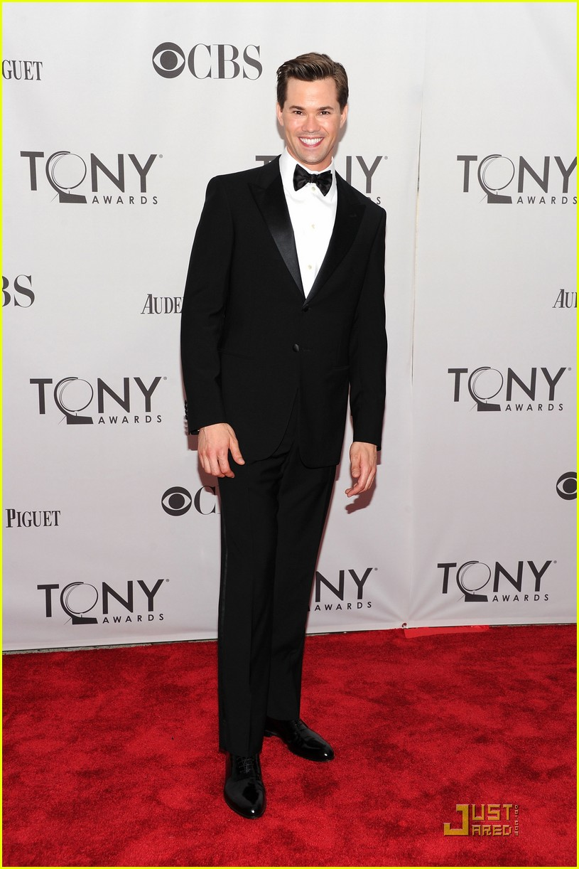 andrew rannells tony awards 2011 02