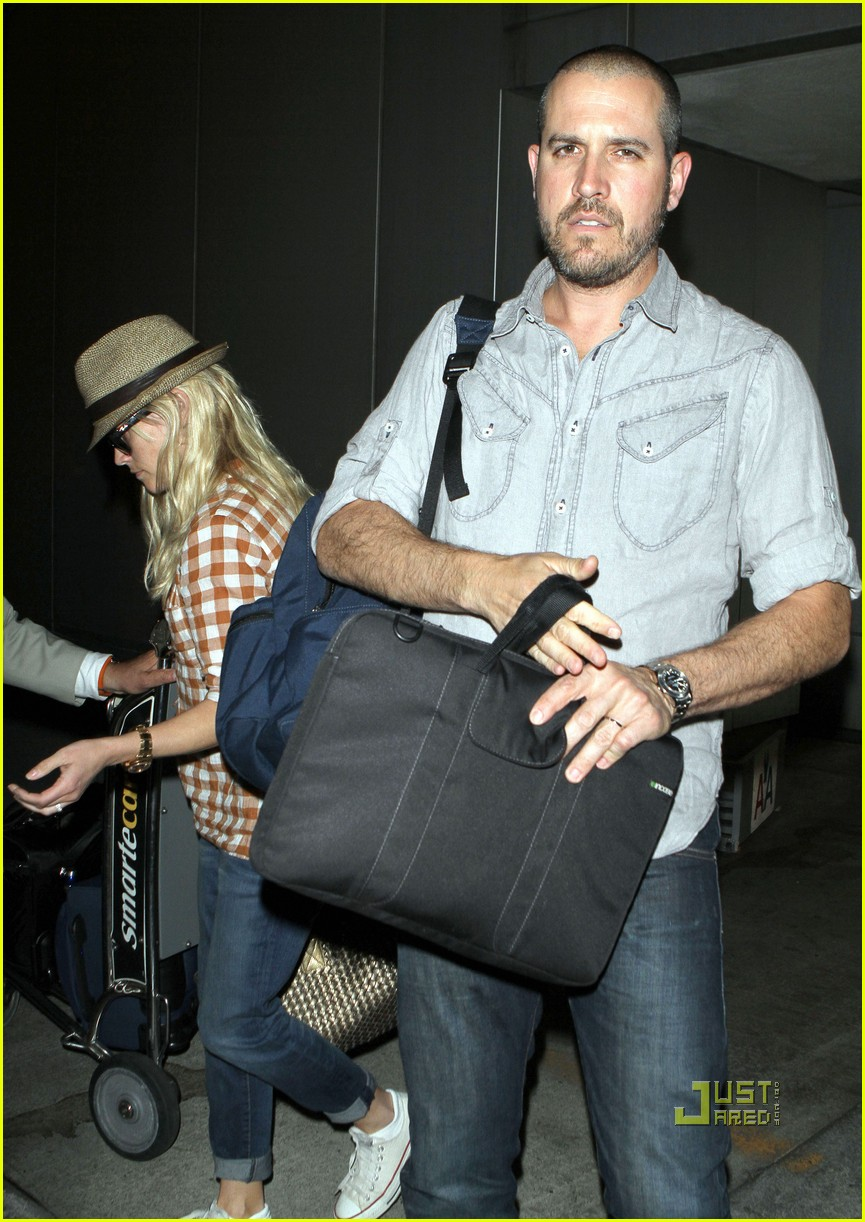 reese witherspoon deacon ava jim toth lax 02