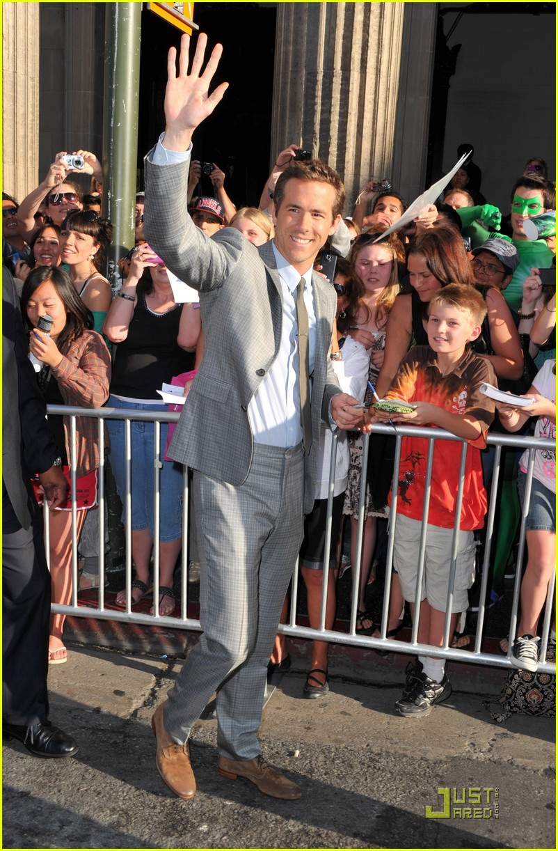 ryan reynolds green lantern premiere 11
