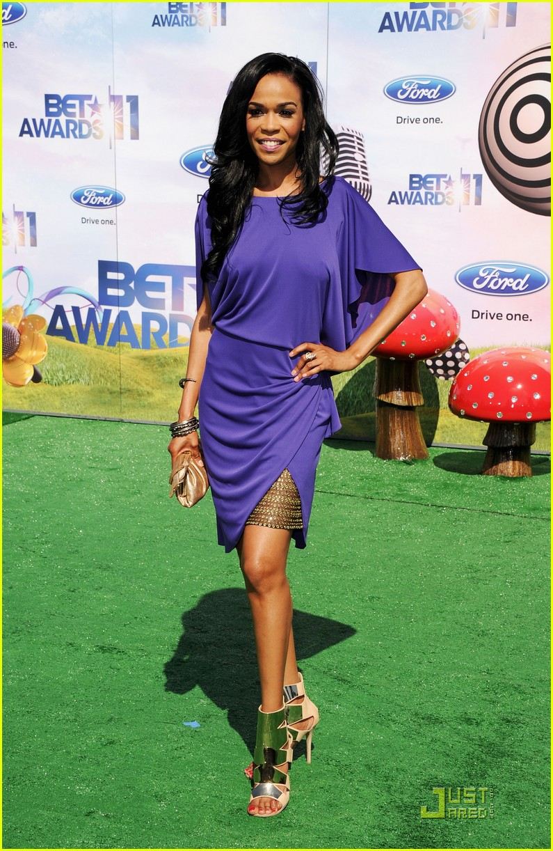 kelly rowland michelle williams bet awards 2011 04