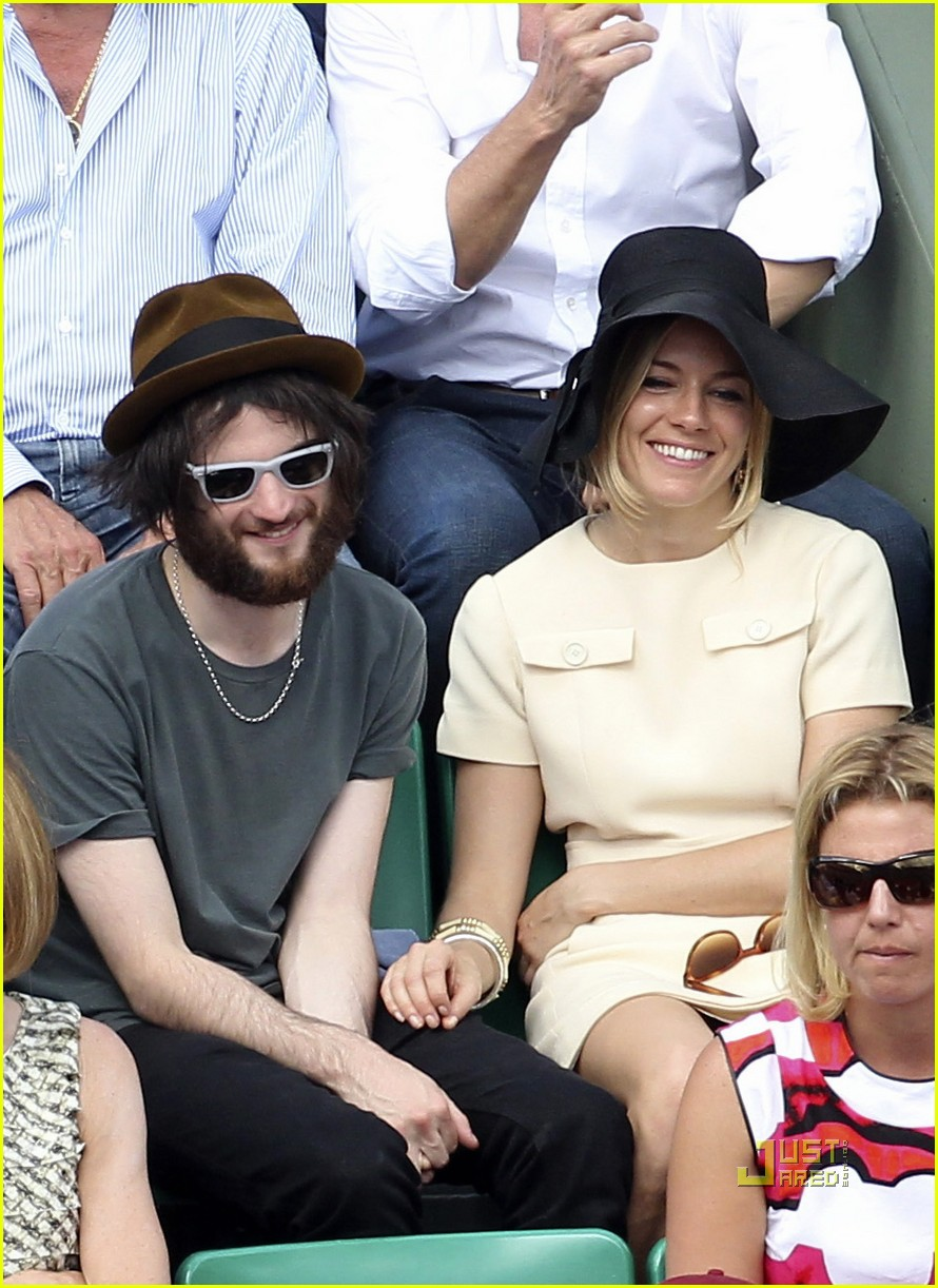 sienna miller tom sturridge french open 04