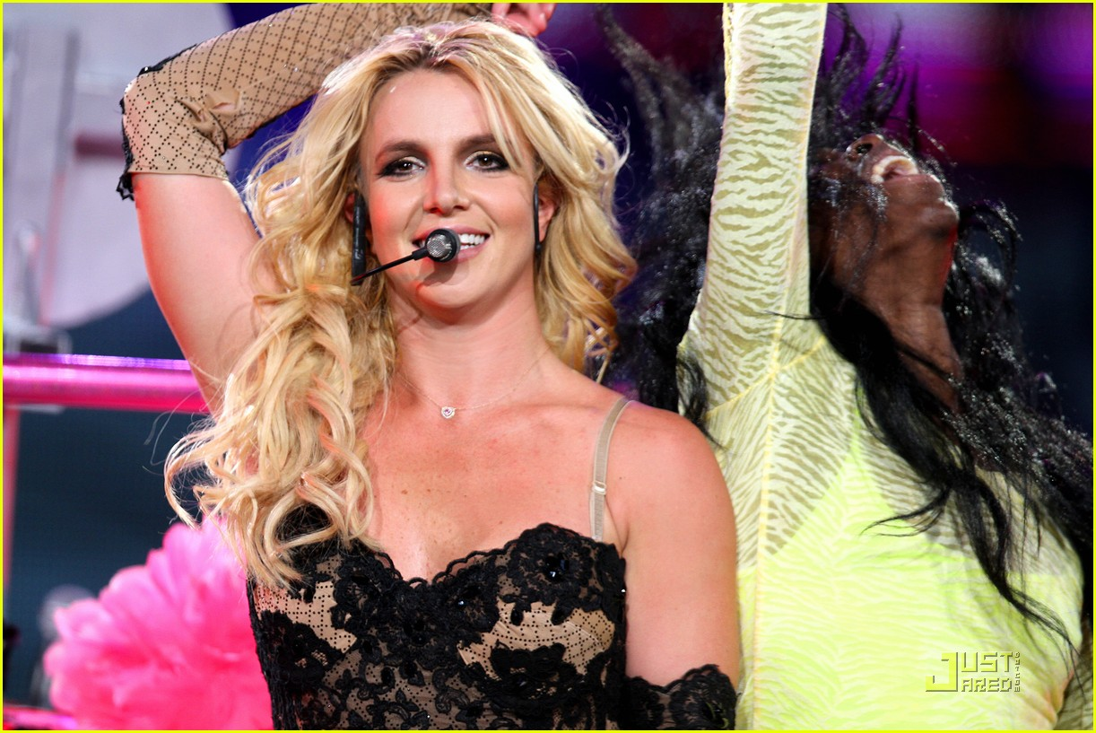 Full Sized Photo of britney spears concert la 11 | Photo ... Britney Spears Tickets