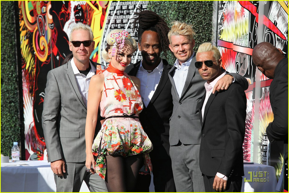 gwen stefani charity tea party 032550925