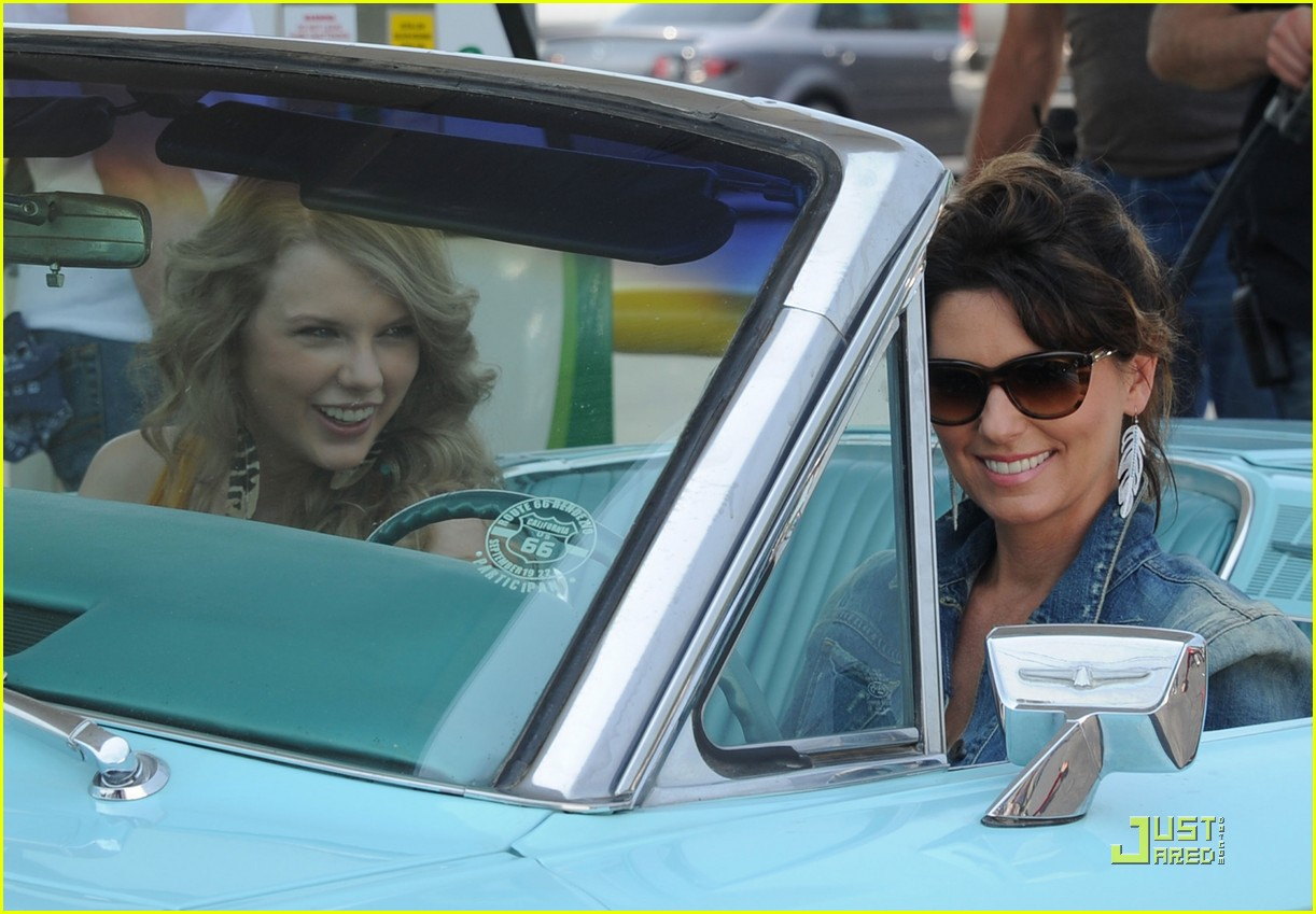 taylor swift shania twain recreate thelma and louise 032550325