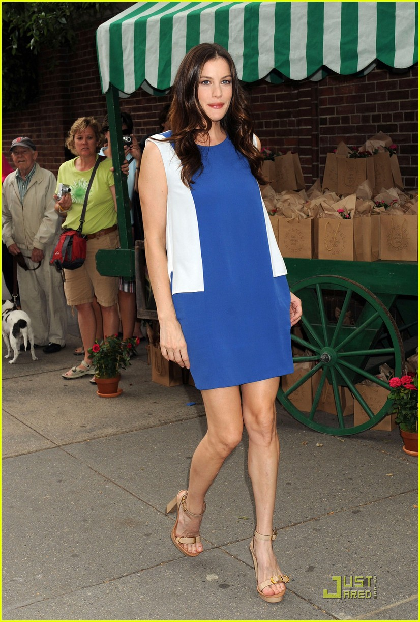 liv tyler amp naomi watts stella mccartney presentation