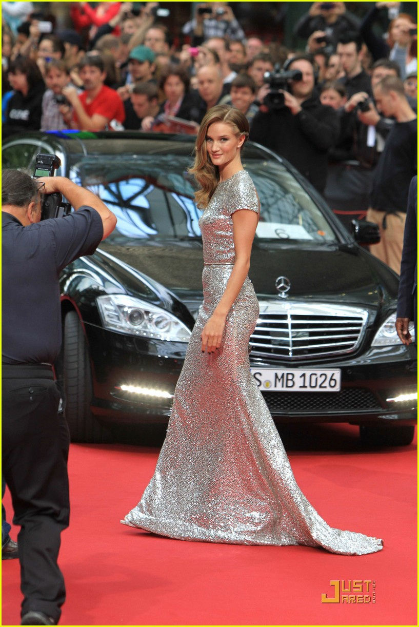 rosie huntington whiteley transformers berlin 04