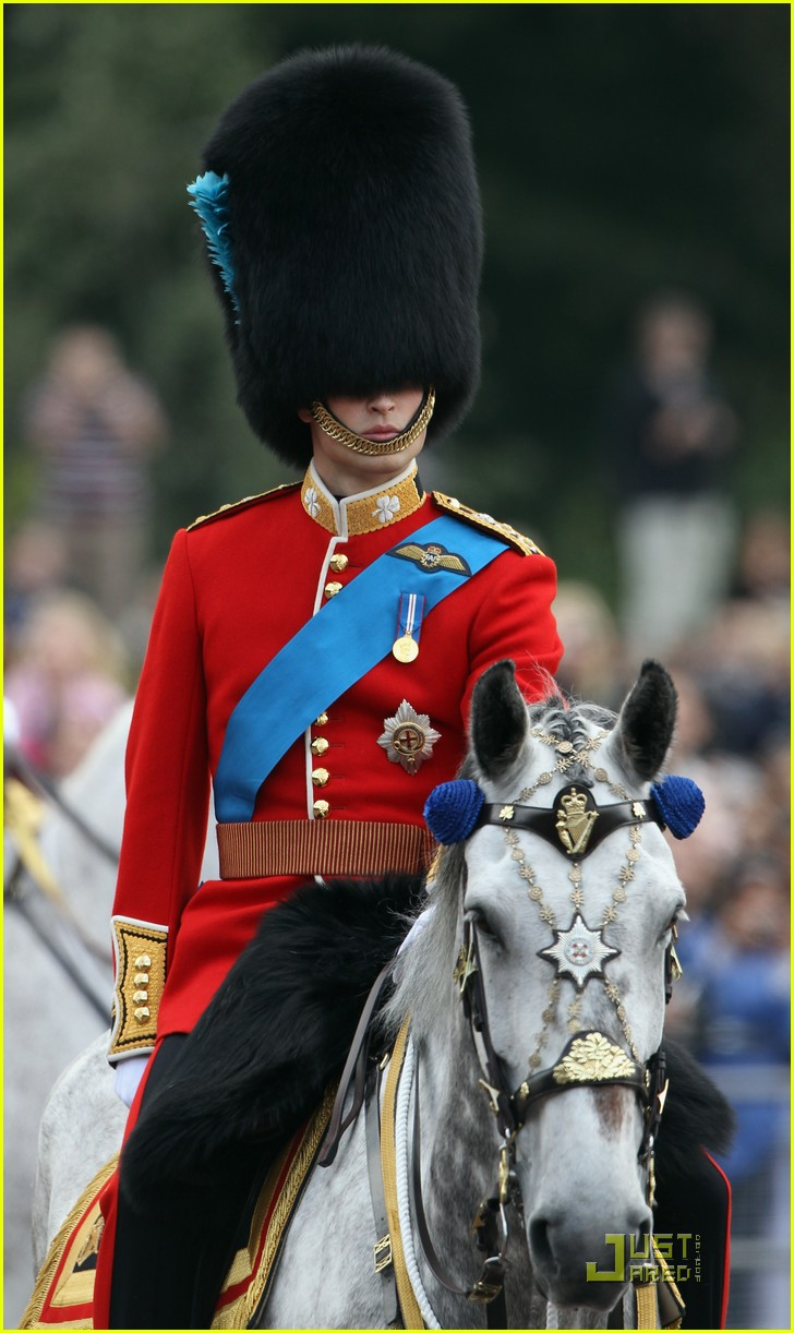 prince william kate middleton troopping colour 02