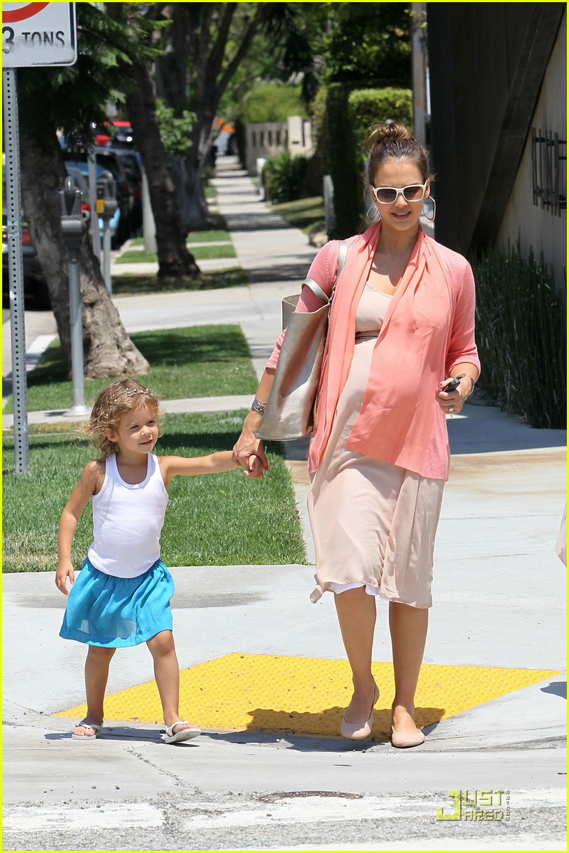 jessica alba honor bel bambini baby shopping 11