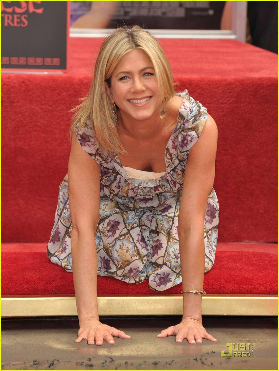 jennifer aniston handprint ceremony 06
