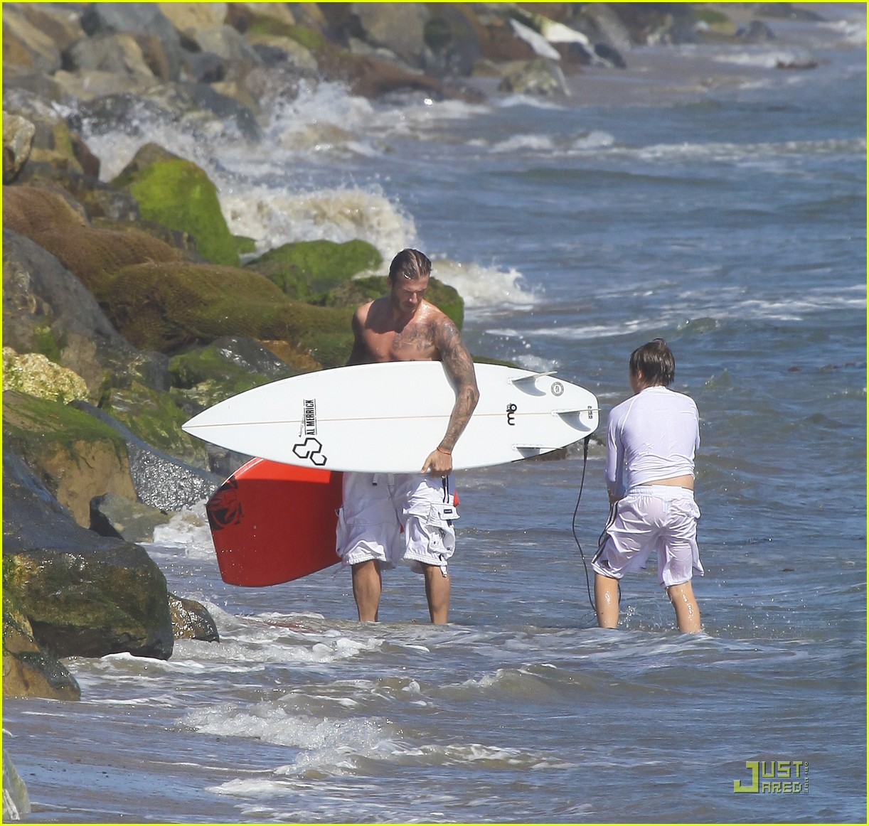 david beckham shirtless surfing  02