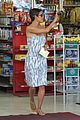 halle berry gas station 05