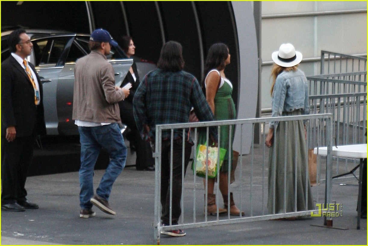Full Sized Photo of blake lively leonardo dicaprio hollywood bowl 11 ...