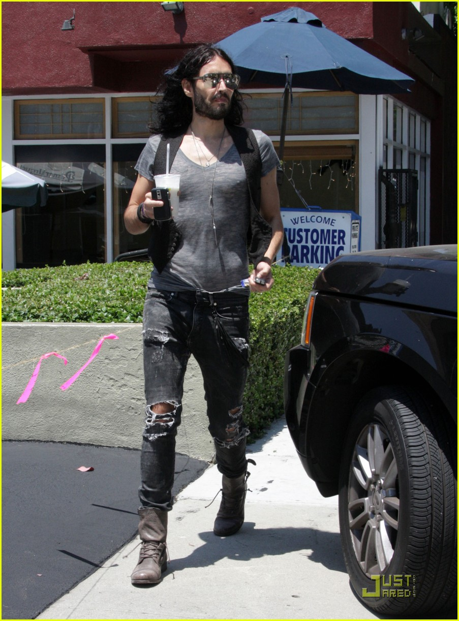 russell brand red rock 01