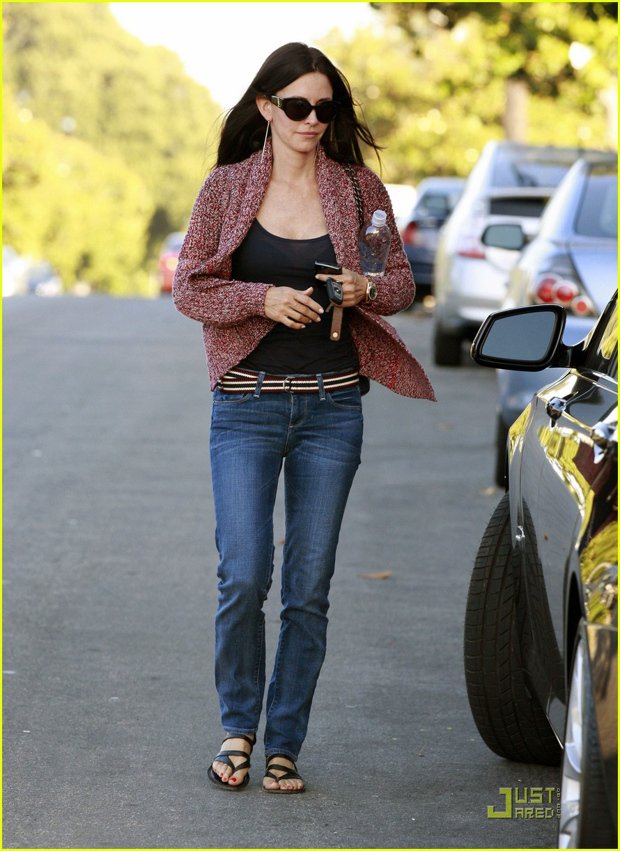 courteney cox coco heels 05