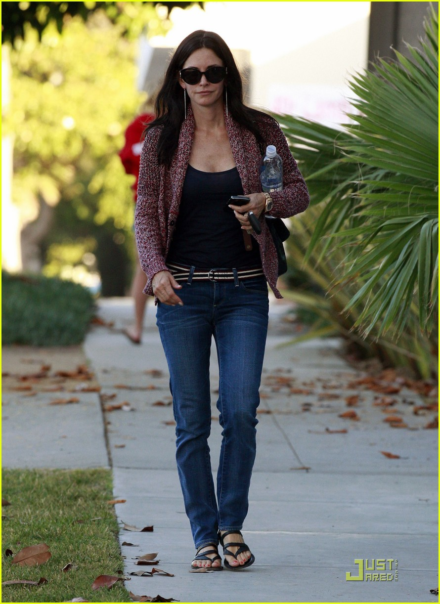 courteney cox coco heels 09