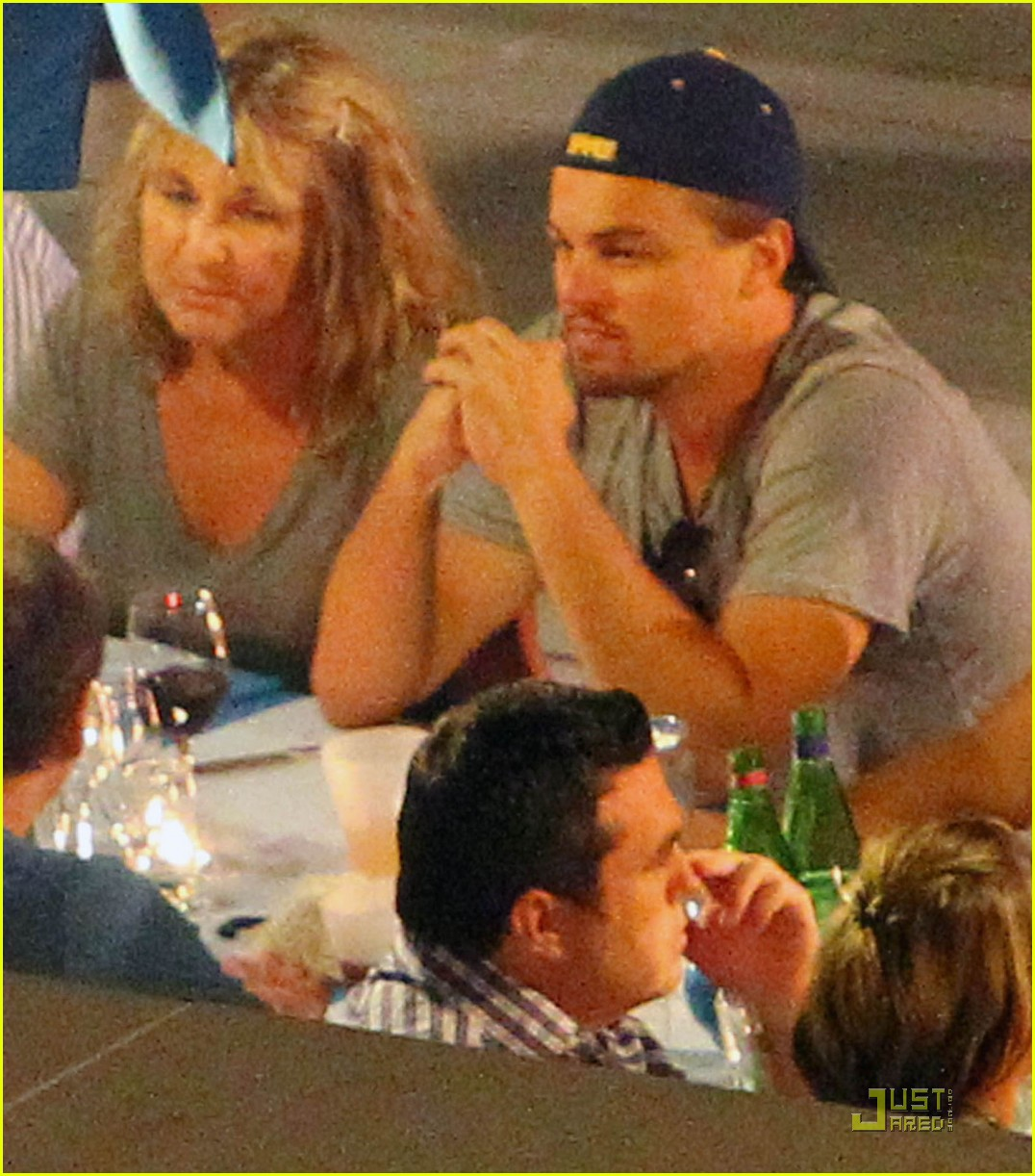 leonardo dicaprio vacation mom 02