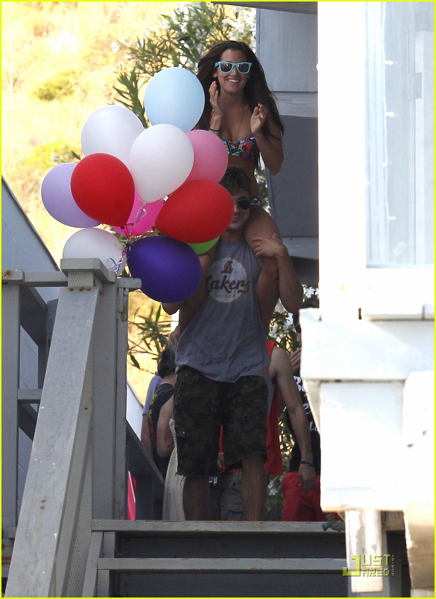 zac efron shirtless piggyback ride for ashley tisdale 35
