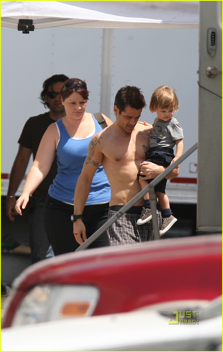 colin farrell shirtless son total recall 04