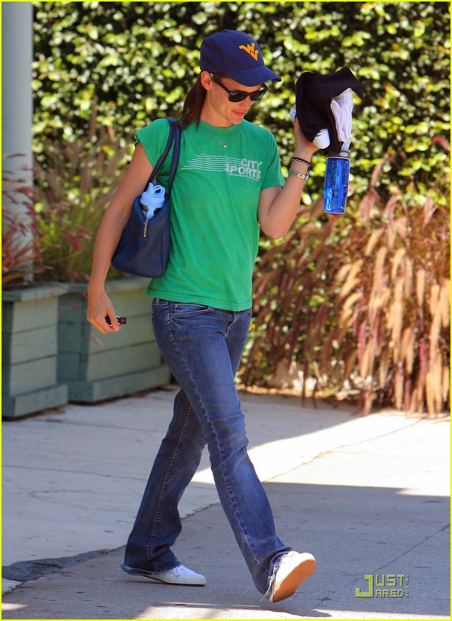 jennifer garner playdate with violet 01