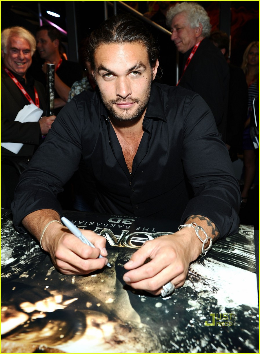 kit harington jason momoa comic con friday 02