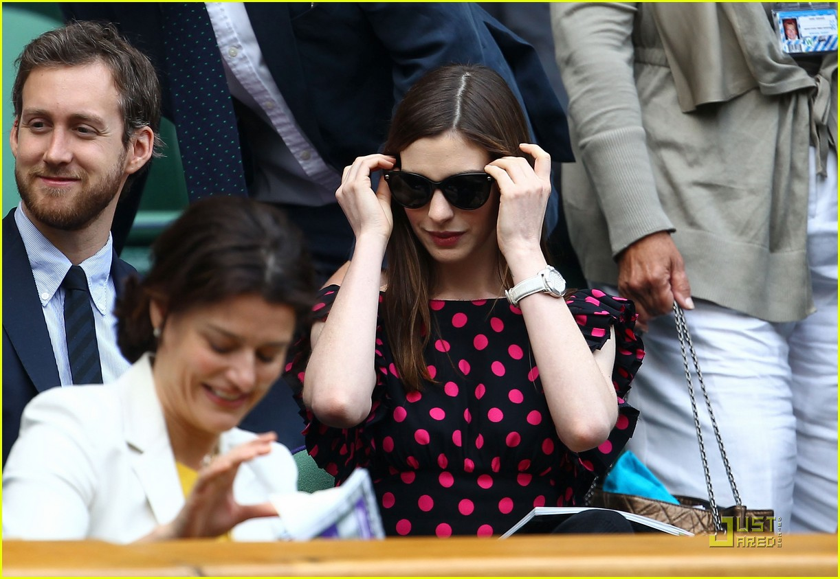 anne hathaway adam shulman wimbledon 03