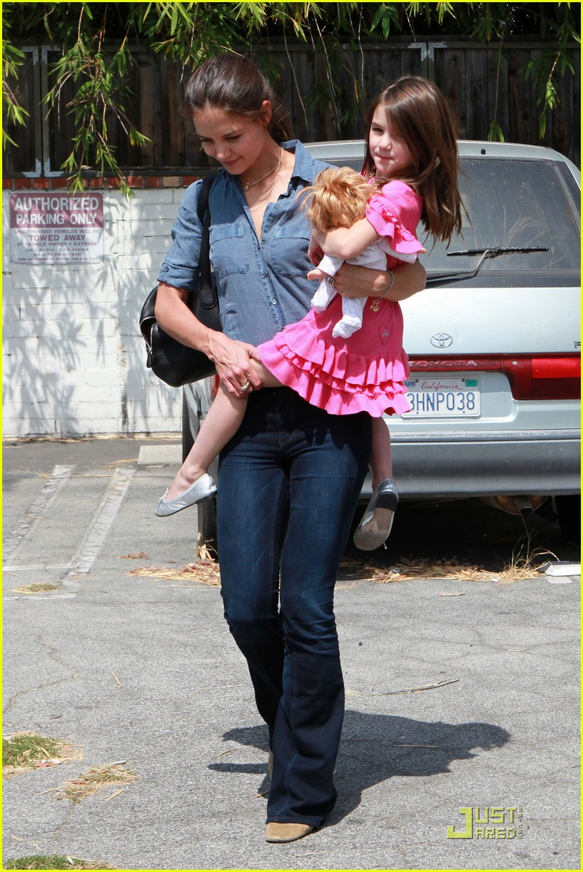 katie holmes suri shoe shop 14