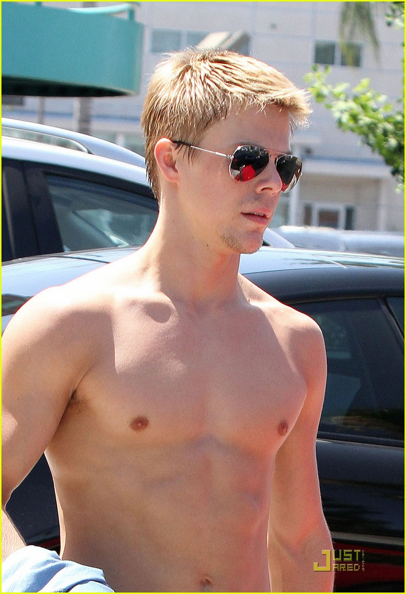 derek hough shirtless 01