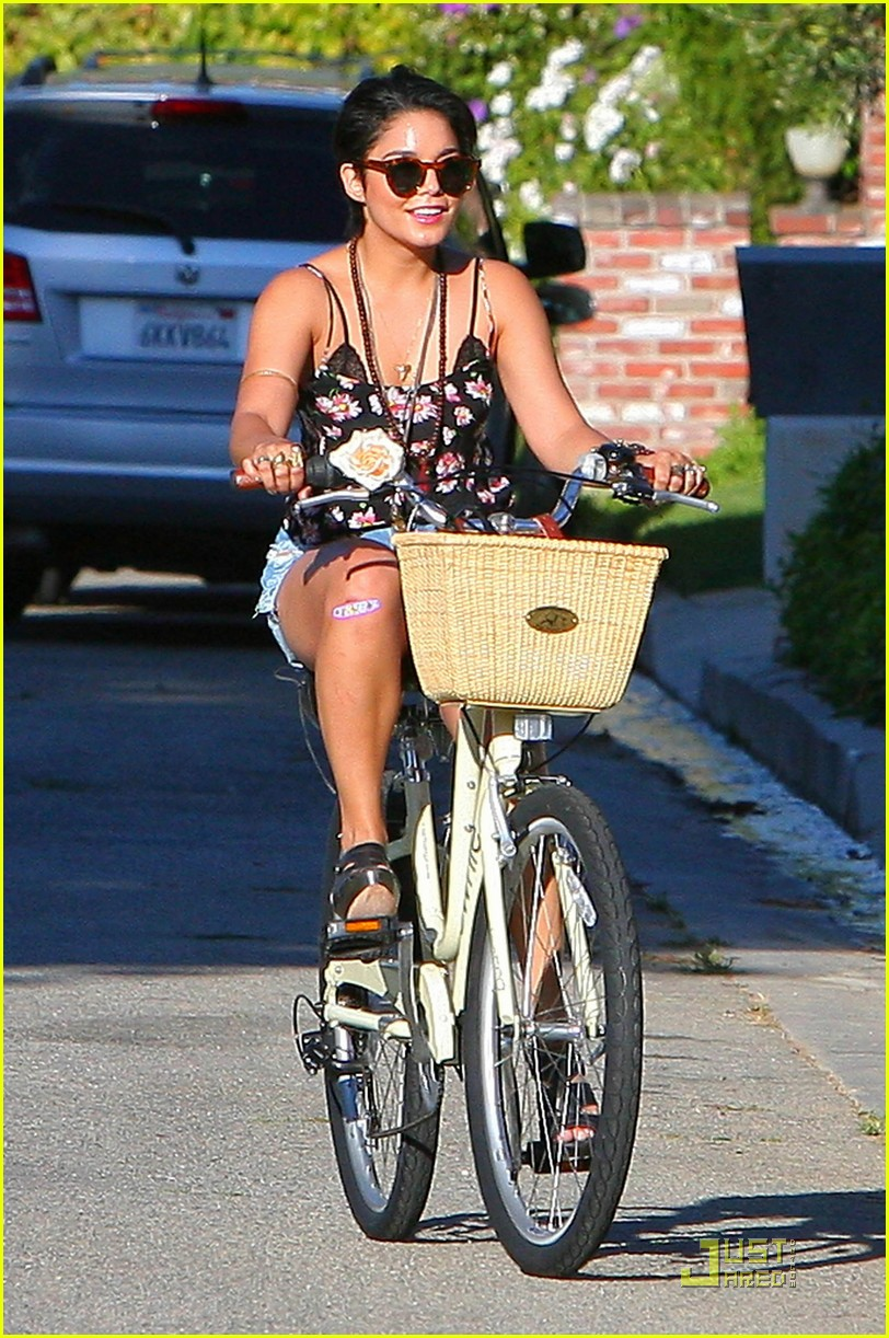 vanessa hudgens talks about her new haircut 08